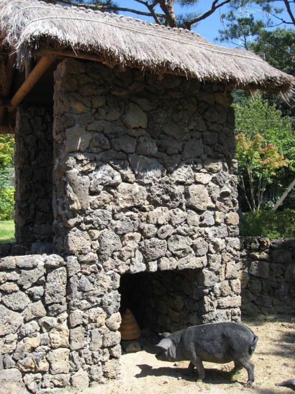 解憂斎の済州島のトイレ下部