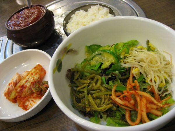 忠武路チョングッチャンの料理