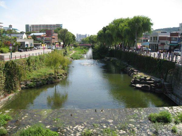 水原華城の華虹門から見た風景