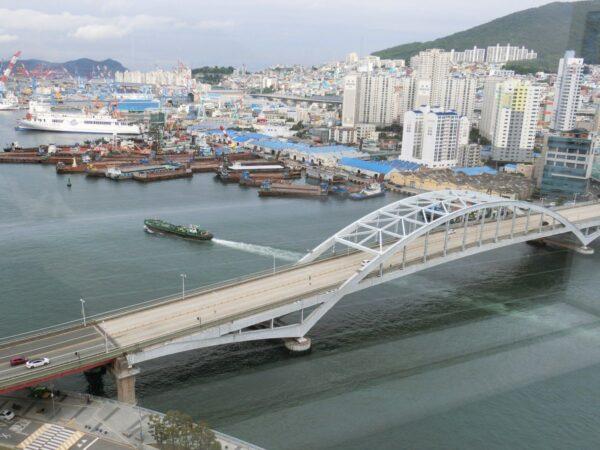 ロッテ百貨店光復店屋上から見た釜山大橋