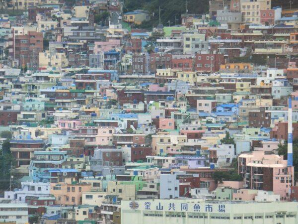 ロッテ百貨店光復店屋上から見た釜山市内