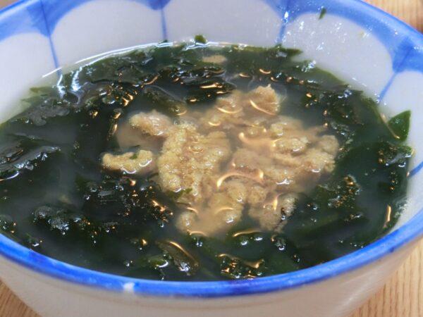 済州家のウニ・ワカメスープ