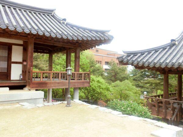 啓明大学城西キャンパス内啓明韓学村