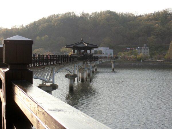安東の月映橋