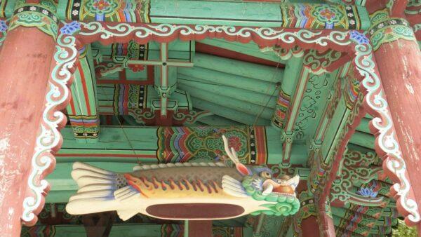 求礼の泉隠寺の鐘楼