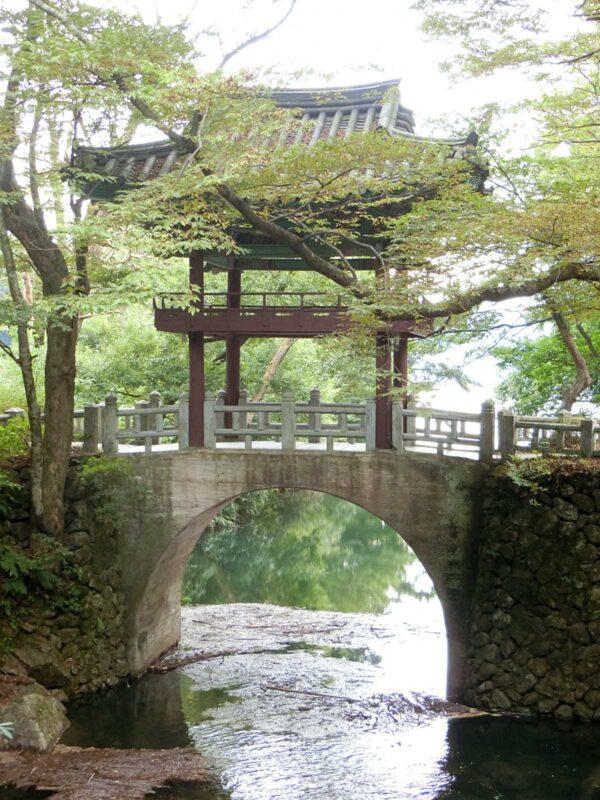 求礼の泉隠寺の垂紅楼