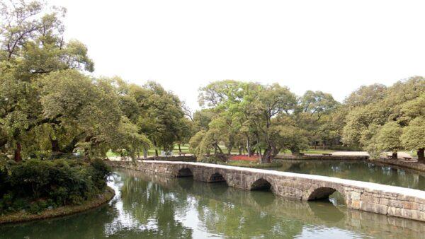 広寒楼から見た烏鵲橋