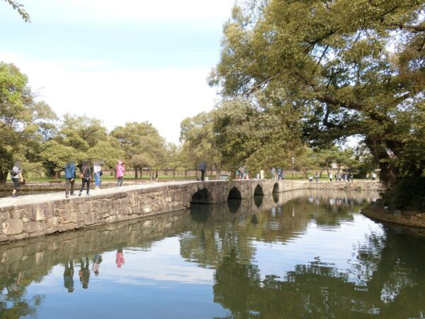 広寒楼苑の烏鵲橋