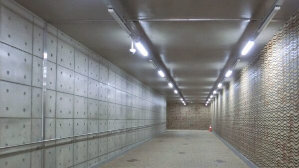 漢江公園トゥッソム地区の地下道