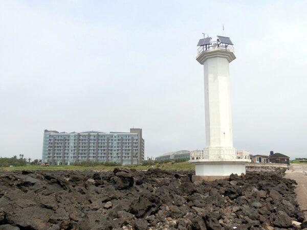 ヘヴィチホテルと灯台