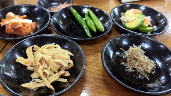 済州島のコンチョンポ食堂の料理