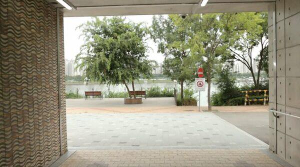 ドラマ「空港に行く道」の1シーン