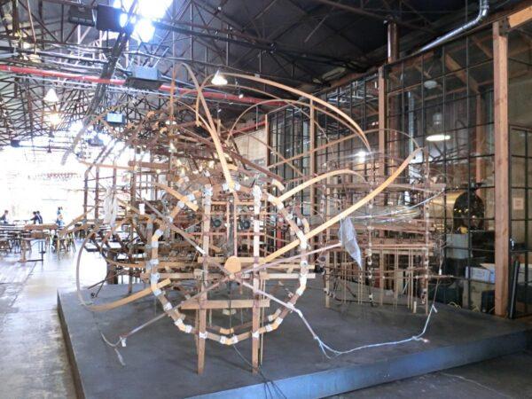 聖水にあるカフェ「大林倉庫ギャラリーコラム」の内部